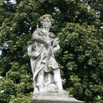 Villa_Cabrini_Moore_Cabrini_statue_02
