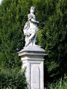 Villa_Cabrini_Moore_Cabrini_statue_03
