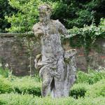 Villa_Cabrini_Moore_Cabrini_statue_04