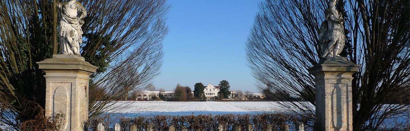 Villa_Cabrini_Moore_exterior_garden_winter_view